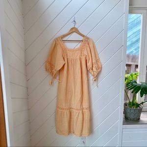 Dresses - VINTAGE peachy boho dress with amazing sleeves!